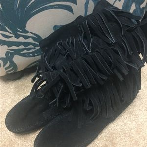 Shoes - Black Moccasin boots with fringe
